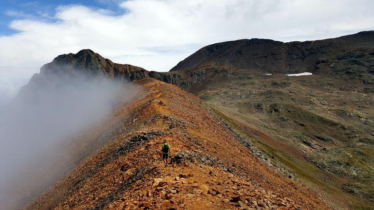 Randonnée au sommet du Taillefer, sur l'arête Pinelli