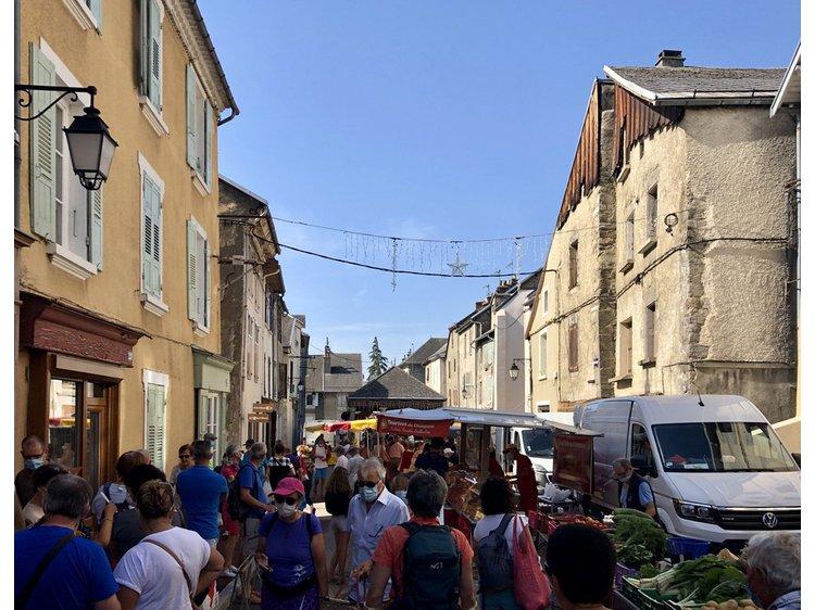 Photo 1 La Mure's market
