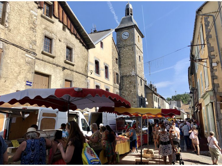 Photo 2 La Mure's market