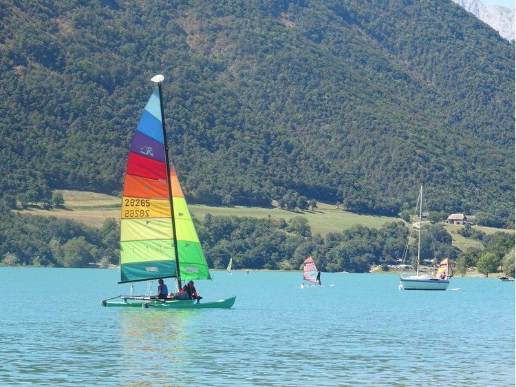Foto 3 Het meer van Monteynard aan de kant van het strand van Mayres Savel