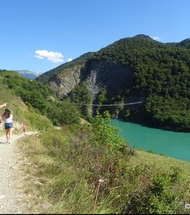The footbridge of the Drac River