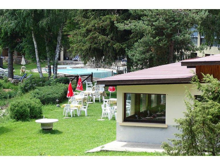 Photo 2 Un hôtel perché, des sources à pied et des gorges en canoë