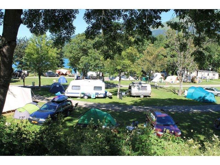 Photo 1 Camping Au Pré du Lac
