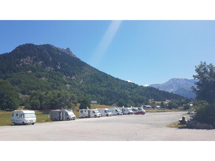 Photo 2 Bivouac caravan area of Alpe du Grand Serre